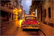 Vinilo para la pared  Red vintage American car in Havana - Lee Frost