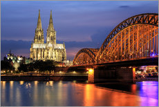 Vinilo para la pared  Cologne Cathedral and Hohenzollern Bridge at night - Oliver Henze