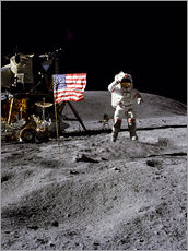 Vinilo para la pared  Astronaut of the 10th manned mission Apollo 16 on the moon
