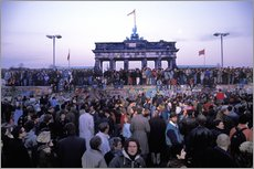 Cuadro de plexi-alu  Berliners from East and West celebrating the opening of the border at the Berlin Wall