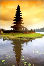 Vinilo para la pared  Temple in Bali with reflection in the water, Indonesia - Bill Bachmann