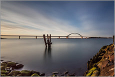 Vinilo para la pared  Fehmarnsund Bridge in the evening light (long exposure) - Heiko Mundel