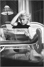 Póster  Marylin Monroe - leyendo el periódico - Celebrity Collection
