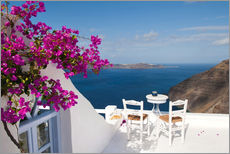 Vinilo para la pared  Hotel terrace with pink flowers and stunning views - Bill Bachmann
