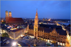 Vinilo para la pared  Church of our Lady and the new town hall in Munich at night - Buellom