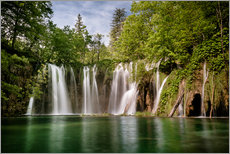 Vinilo para la pared  Paradise Waterfall in Plitvice - Andreas Wonisch