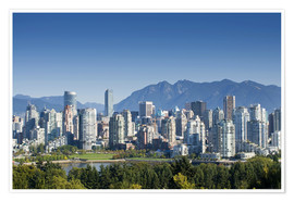 Póster  Skyline of Vancouver with mountains on the horizon - E. O. Reed