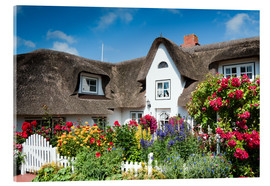 Cuadro de metacrilato  Amrum -  thatched house with flower garden - Reiner Würz RWFotoArt