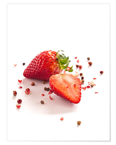 Póster Strawberries with red peppercorns