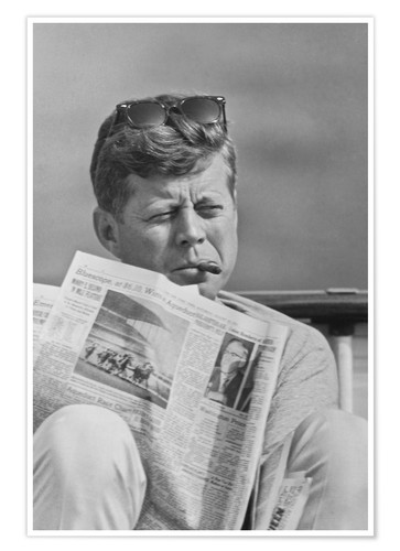 Póster John F. Kennedy with a newspaper