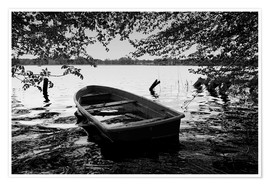 Póster Old boat under trees - black white