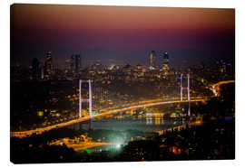 Lienzo  Bosporus-Bridge at night - pink (Istanbul / Turkey) - gn fotografie