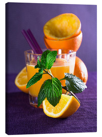 Lienzo  Orange juice in a glass - Edith Albuschat
