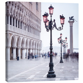 Lienzo  St. Mark's Square in Venice in Winter - Jan Christopher Becke