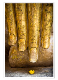 Póster Golden fingers of a Buddha statue