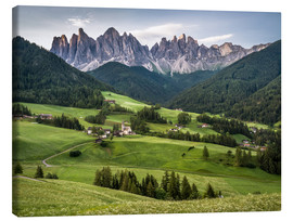Lienzo  View over Funes in the Dolomites - Andreas Wonisch