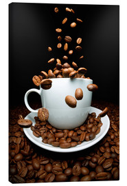 Lienzo  Falling coffee beans cup - pixelliebe