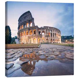 Lienzo  Colosseum reflected into water - Matteo Colombo