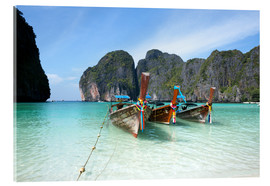 Cuadro de metacrilato  Long tail boats at Maya bay beach, Phi Phi island, Thailand - Matteo Colombo