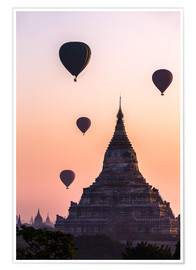 Póster  Temple at sunrise with balloons flying, Bagan, Myanmar - Matteo Colombo