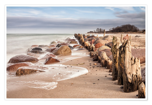 Póster Groyne and stones on shore of the Baltic Sea