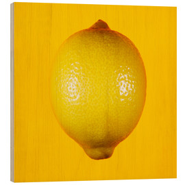 Cuadro de madera  Lemon against yellow background - Mark Sykes