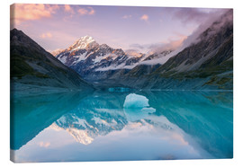 Lienzo  Glacial lake at Mt Cook, New Zealand - Matteo Colombo