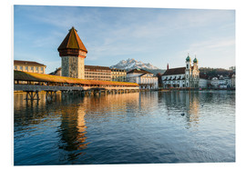 Cuadro de PVC  Chapel Bridge in Luzern with Pilatus in the Background, Switzerland. - Peter Wey