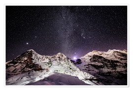 Póster Eiger, Monch and Jungfrau mountain peaks at night