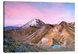 Lienzo  Awesome sunrise on Mount Ngauruhoe and red crater, Tongariro crossing, New Zealand - Matteo Colombo