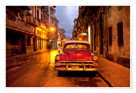 Póster  Red vintage American car in Havana - Lee Frost