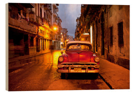 Madera  Red vintage American car in Havana - Lee Frost