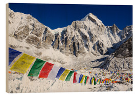 Cuadro de madera  Prayer flags at the case camp of Mount Everest - Christian Kober