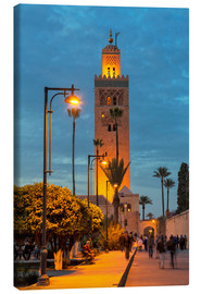 Lienzo  The Minaret of Koutoubia Mosque illuminated at night, UNESCO World Heritage Site, Marrakech, Morocco - Martin Child