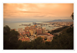 Póster  High angle view of Malaga cityscape with bullring and docks - Ian Egner