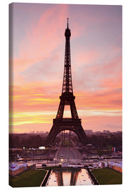 Lienzo  Eiffel Tower at sunrise - Markus Lange