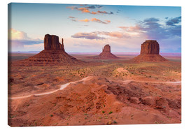Lienzo  Monument Valley at dusk - Chris Hepburn