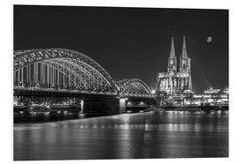 Forex  Cologne Cathedral and Hohenzollern Bridge at night (b / w) - rclassen