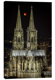 Lienzo  Blood moon shines over Cologne Cathedral - rclassen