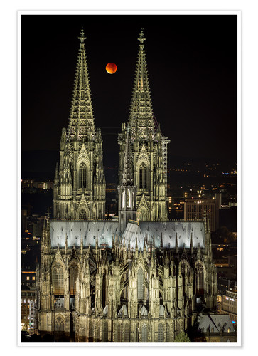 Póster Blood moon shines over Cologne Cathedral