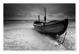 Póster Fishing boat on the beach monochrome