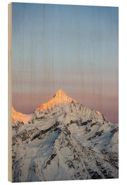 Cuadro de madera  Weisshorn mountain peak at dawn. View from Gornergrat, Zermatt, Switzerland. - Peter Wey