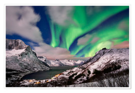 Póster Aurora Borealis or northern lights over winter landscape