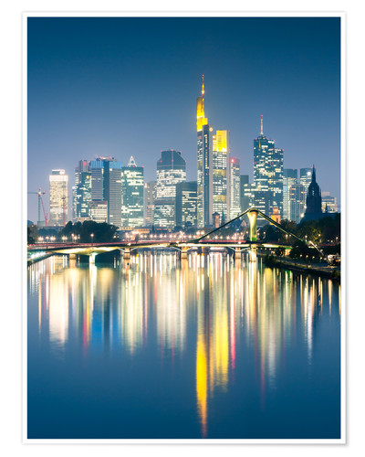 Póster Frankfurt skyline reflected in river Main at night, Germany