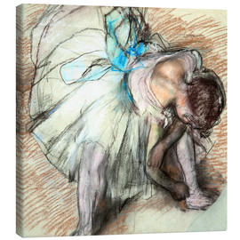 Lienzo  Dancer adusting Her Shoe - Edgar Degas