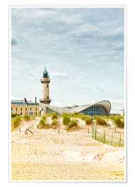 Póster  Old lighthouse and Teepott building at Warnemünde