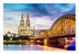 Póster  Lighted Cathedral in Cologne with Rhine and Bridge