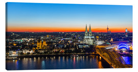 Lienzo  Colorful Cologne skyline at night