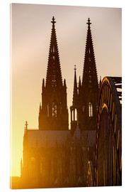 Sunset behind the Cologne Cathedral