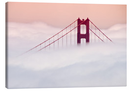 Lienzo  Golden Gate Bridge in the clouds